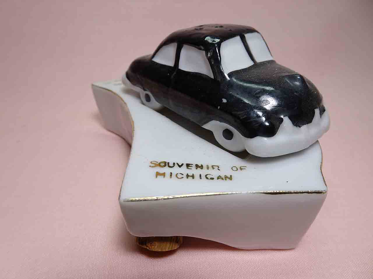 Car and Michigan salt and pepper shakers