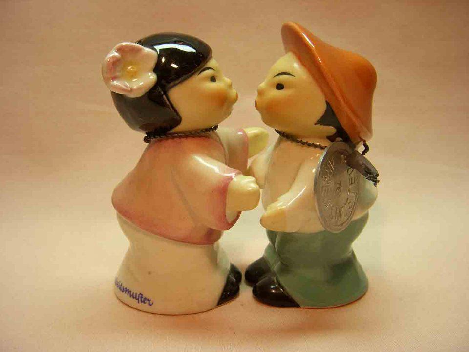 Goebel huggers salt and pepper shakers - Chinese