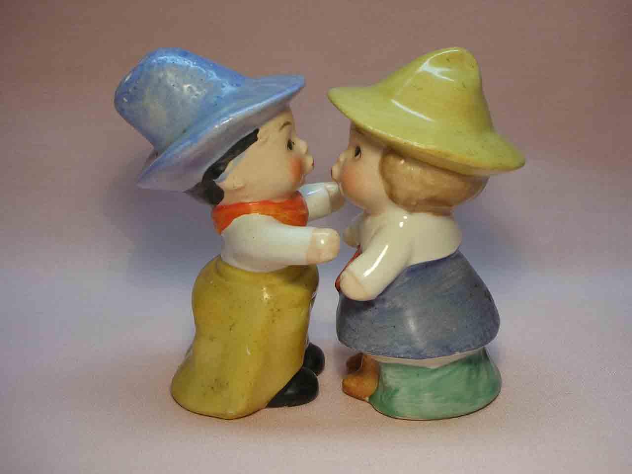 Goebel huggers salt and pepper shakers - cowboys