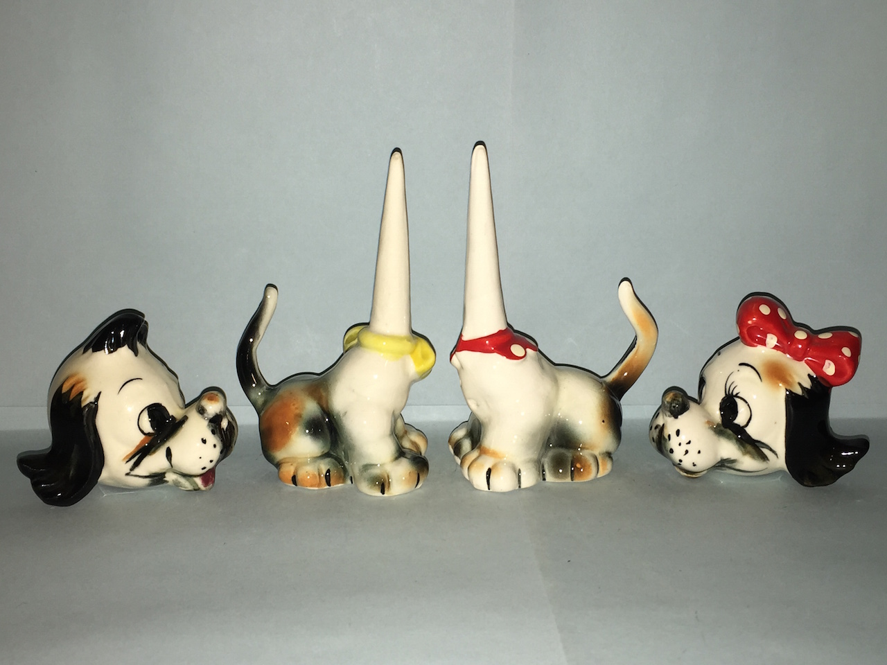 Dog couple salt and pepper shakers with bobbing heads on spikes