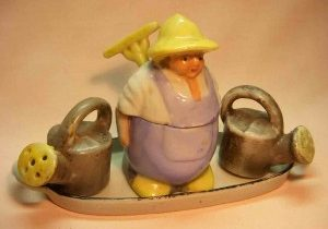 Gardner with watering cans condiment salt and pepper shakers