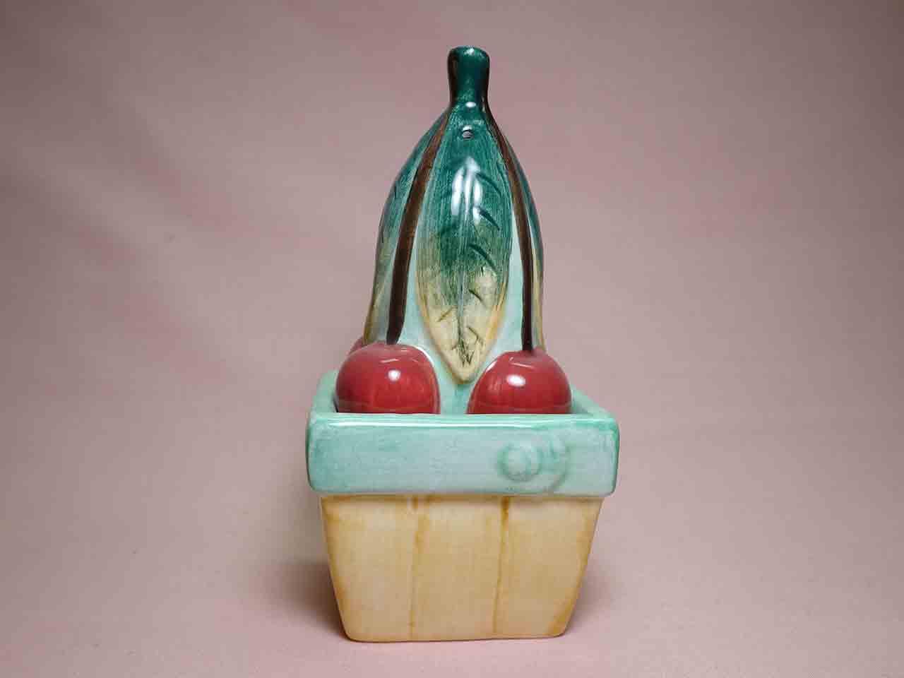 Vandor household items salt and pepper shakers - plant in flower pot