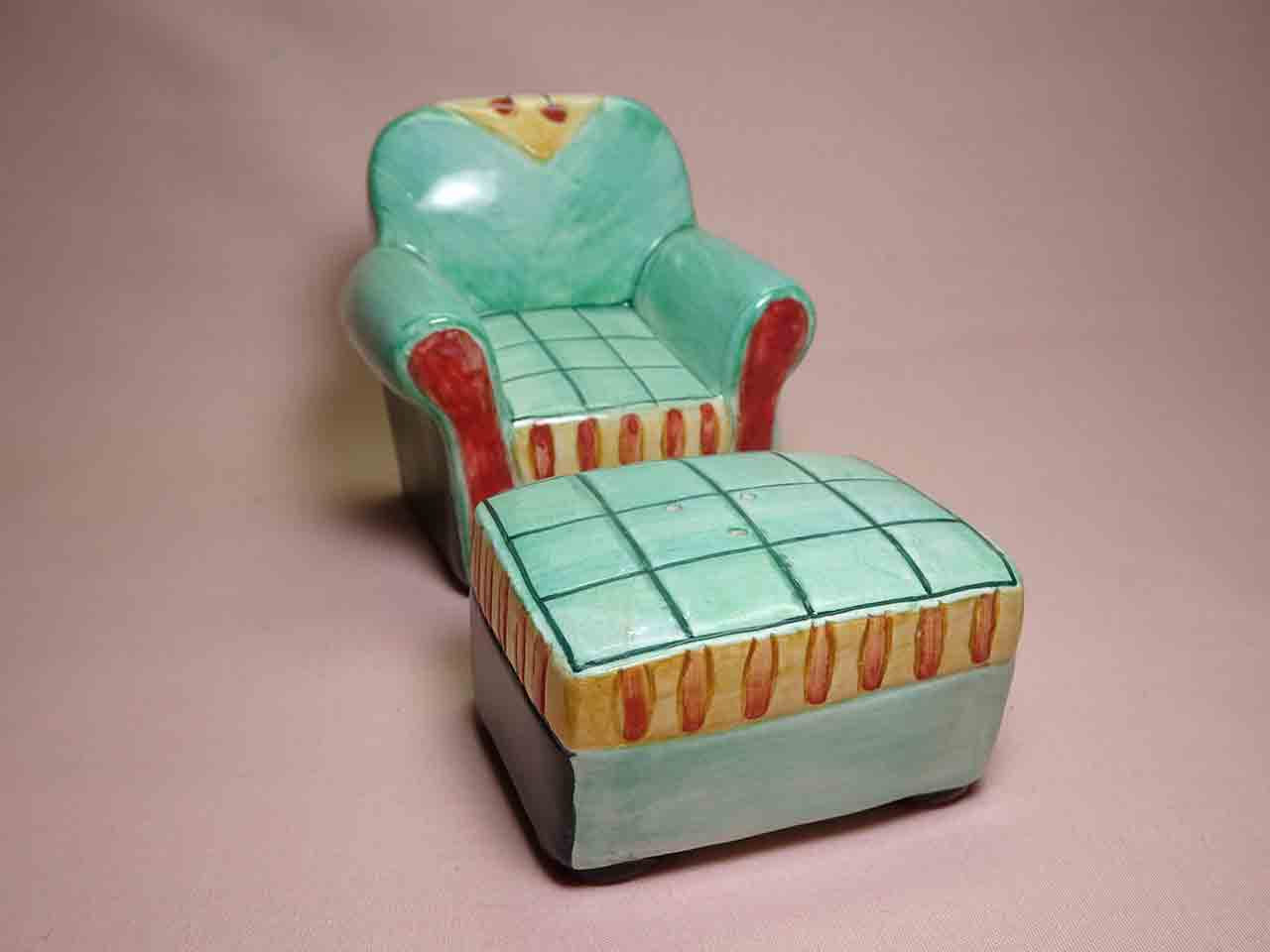 Vandor household items salt and pepper shakers - chair & ottoman