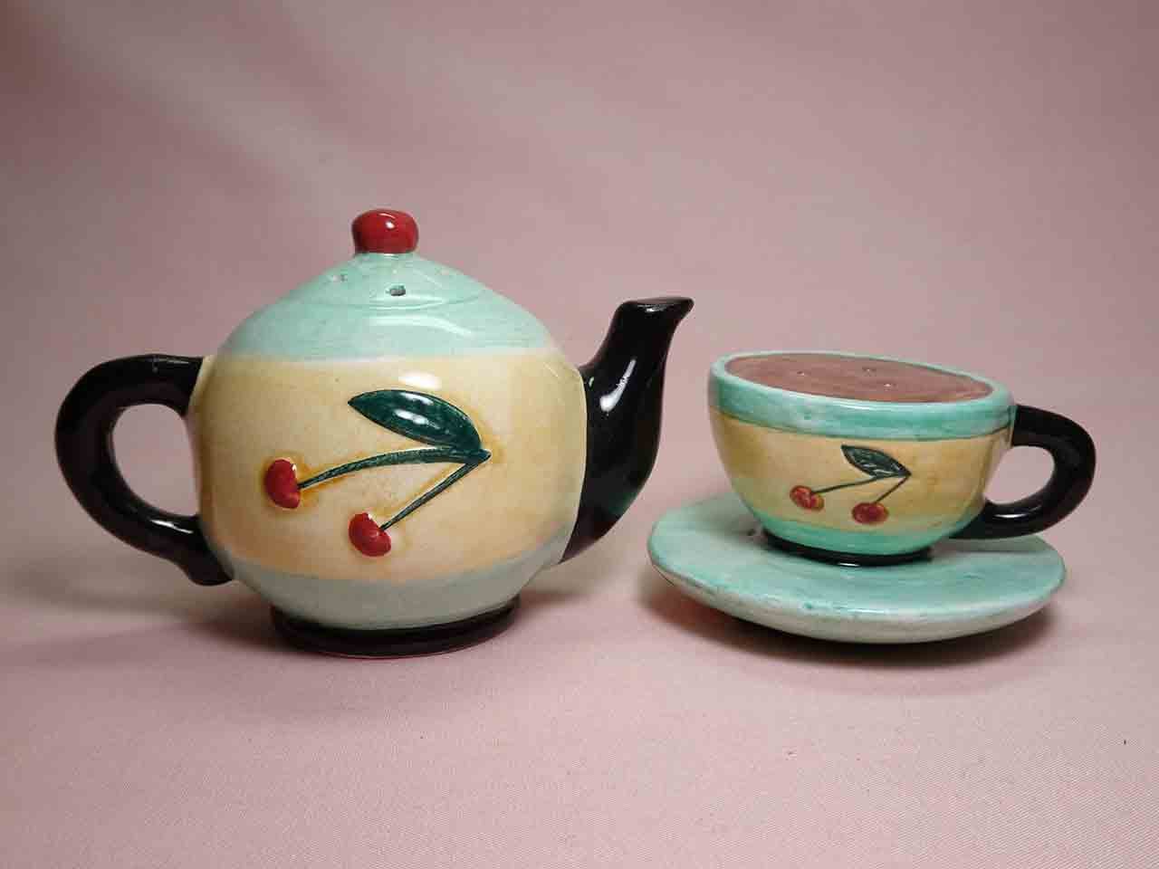 Vandor household items salt and pepper shakers - teapot & cup