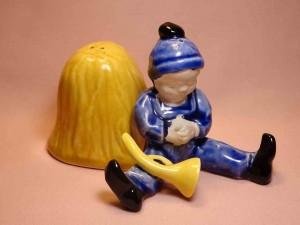 Nursery Rhyme Little Boy Blue salt and pepper shakers