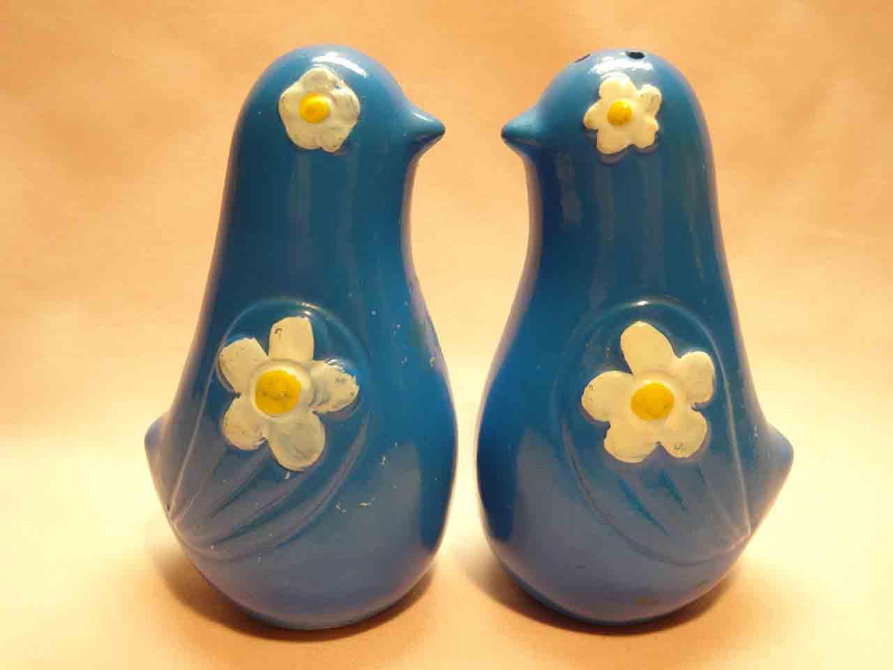 Birds salt and pepper shakers