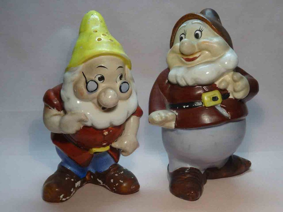 Snow White dwarfs - Doc and Happy salt and pepper shakers