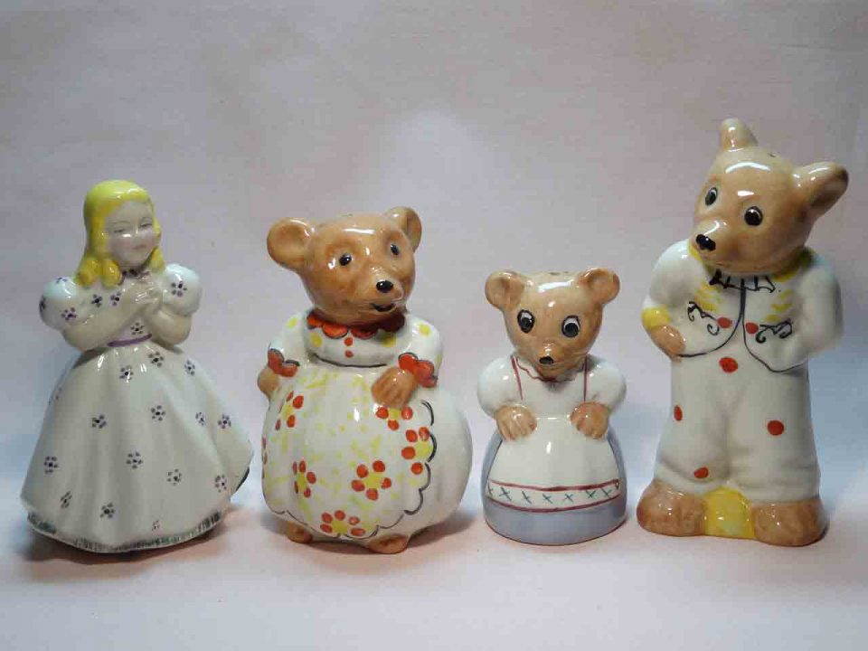 Weetman Goldilocks and the Three Bears salt and pepper shakers