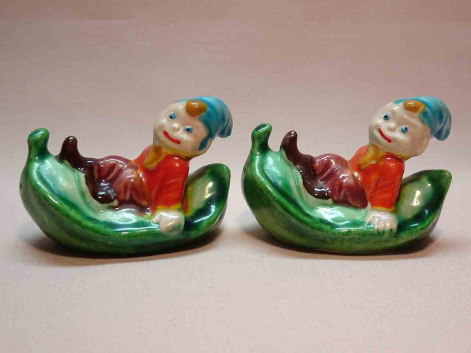 Elves with fruits / vegetables salt and pepper shakers