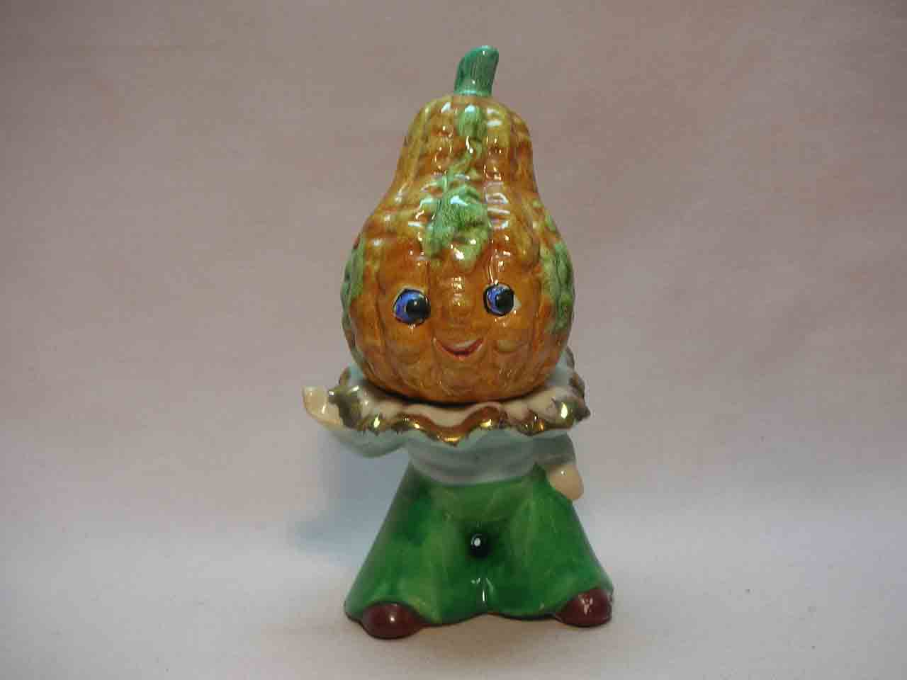 Anthropomorphic stacking squash salt and pepper shakers