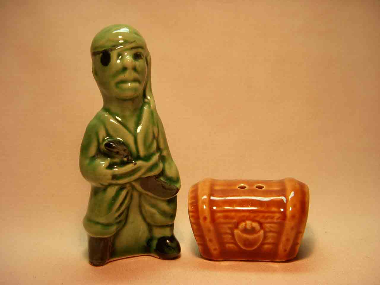 Go with pirate with treasure chest salt and pepper shaker