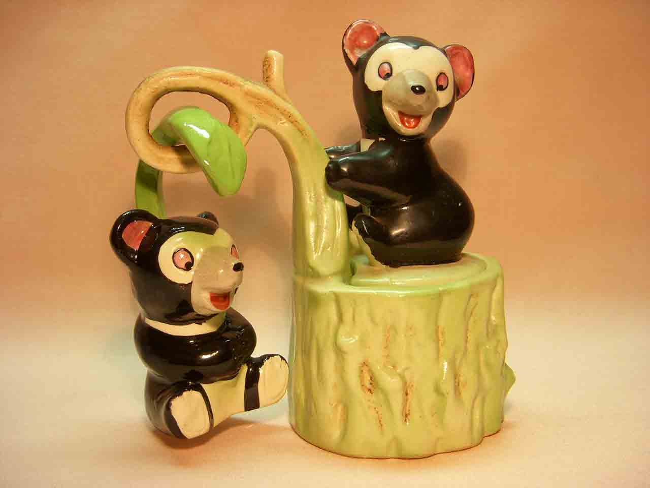 Bear condiment and hanger salt and pepper shakers