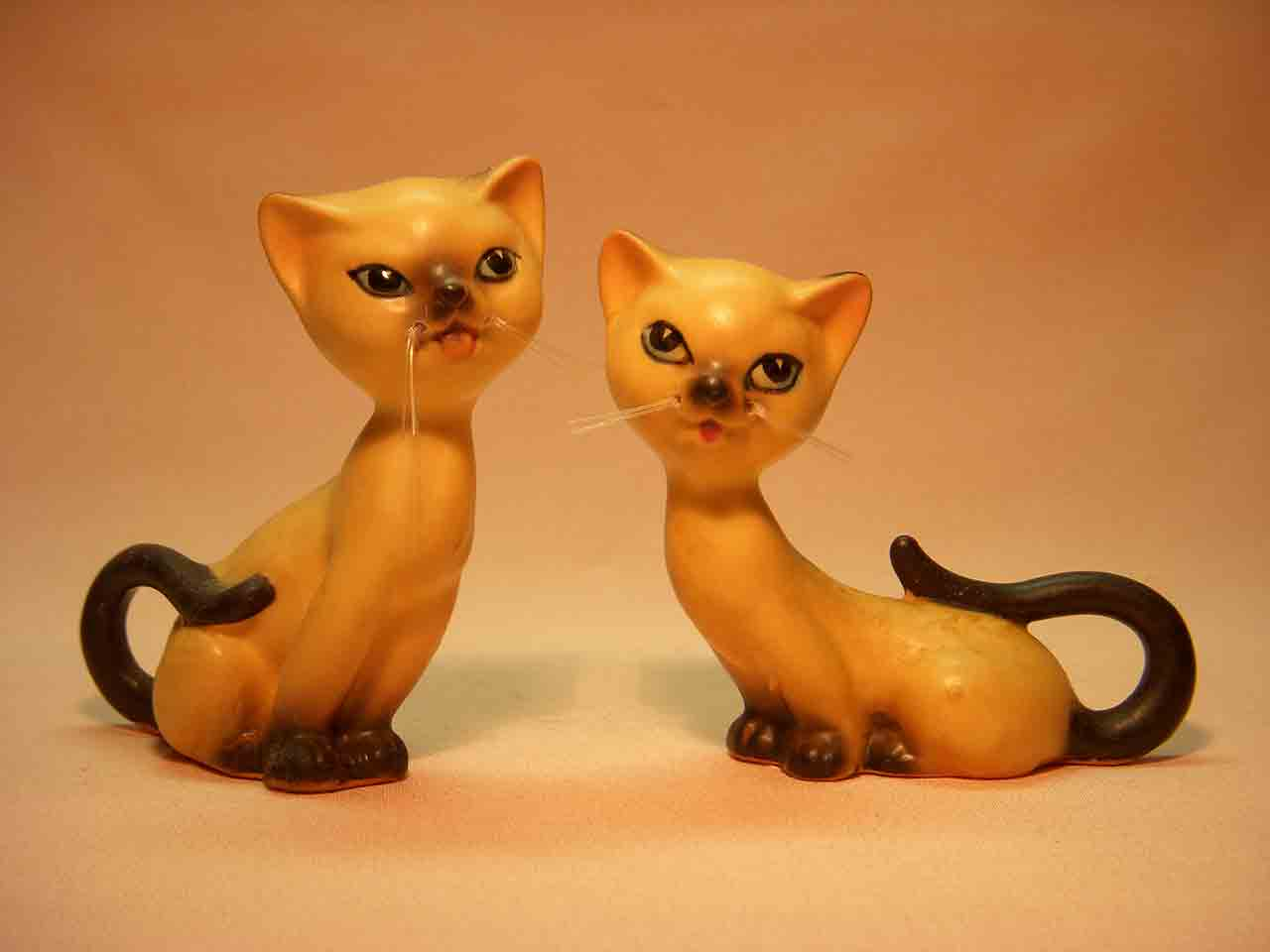Siamese cats salt and pepper shakers