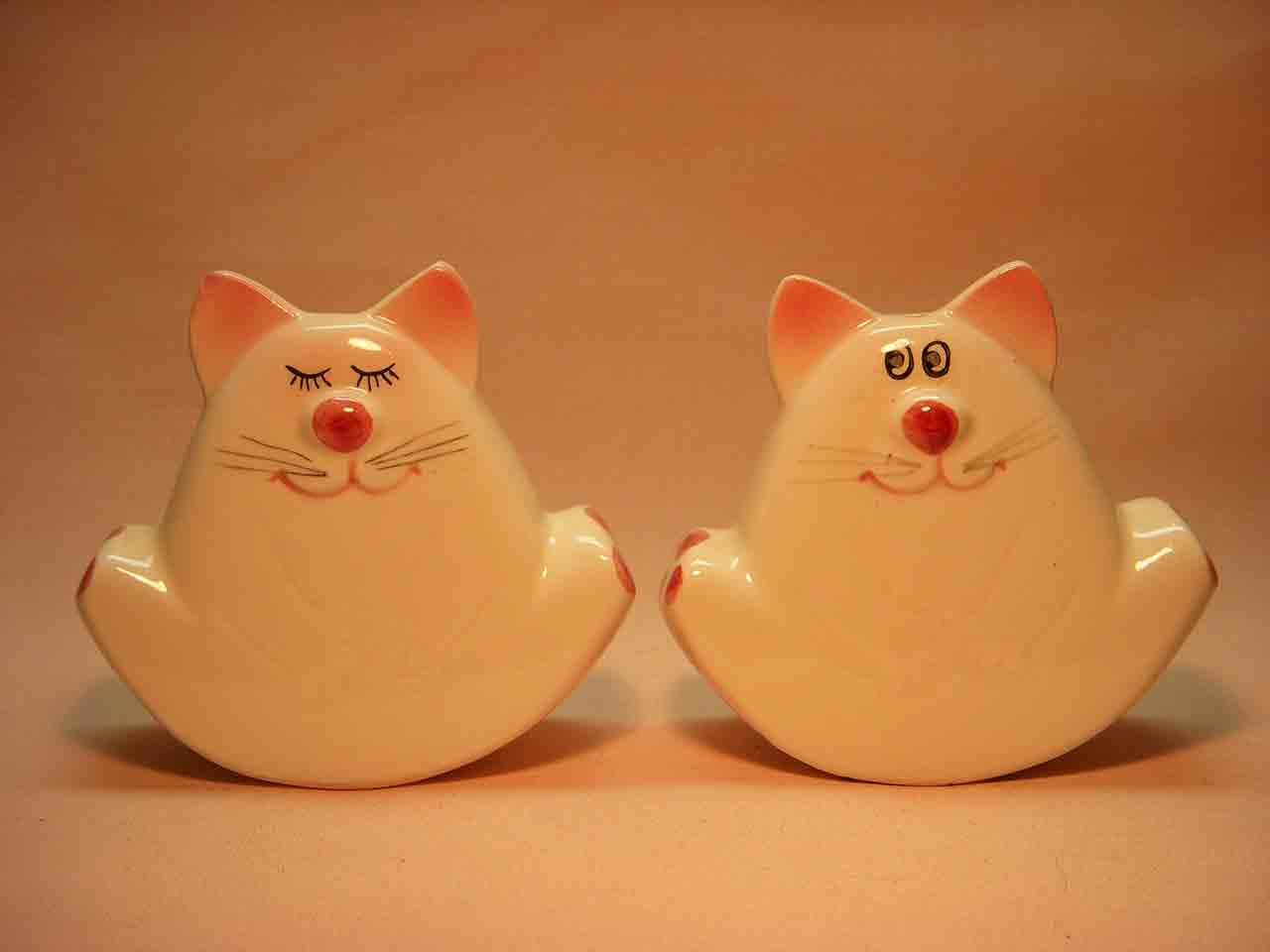 Cat rockers salt and pepper shaker