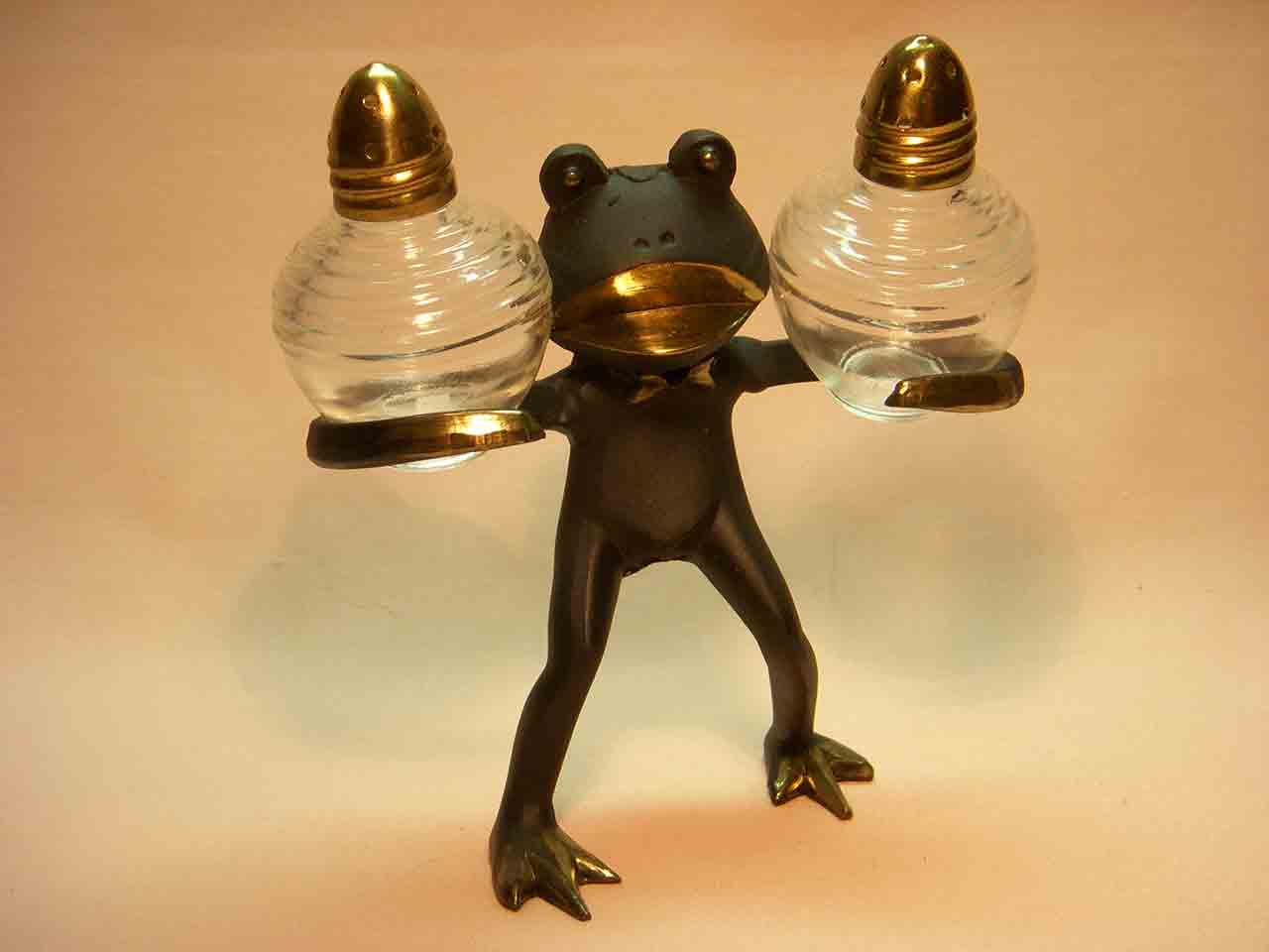 Metal frog carrier salt and pepper shakers