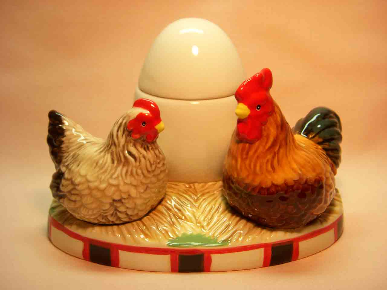 Chickens with egg Mwah Westland Giftware salt and pepper shakers