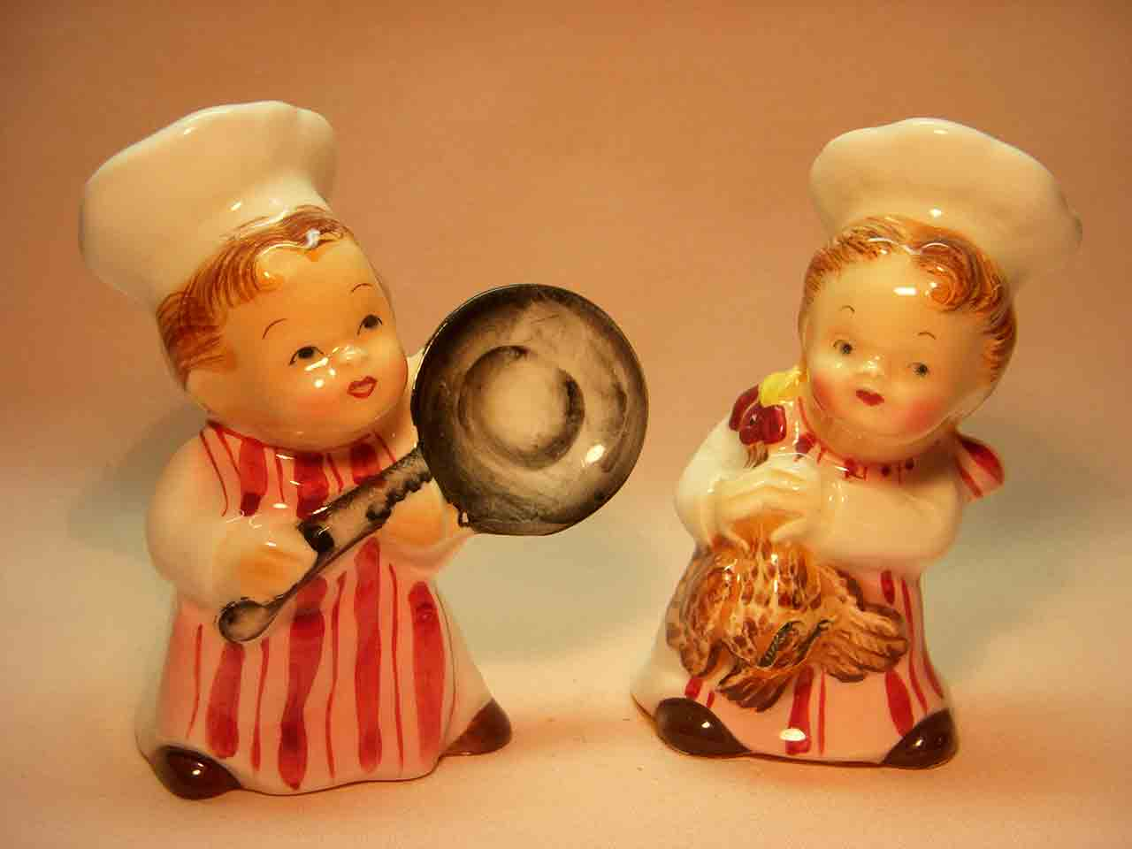 PY chefs salt and pepper shakers