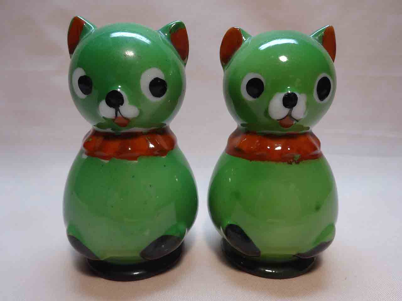 Green cats salt and pepper shakers from Abstract Little People-Like Animals series