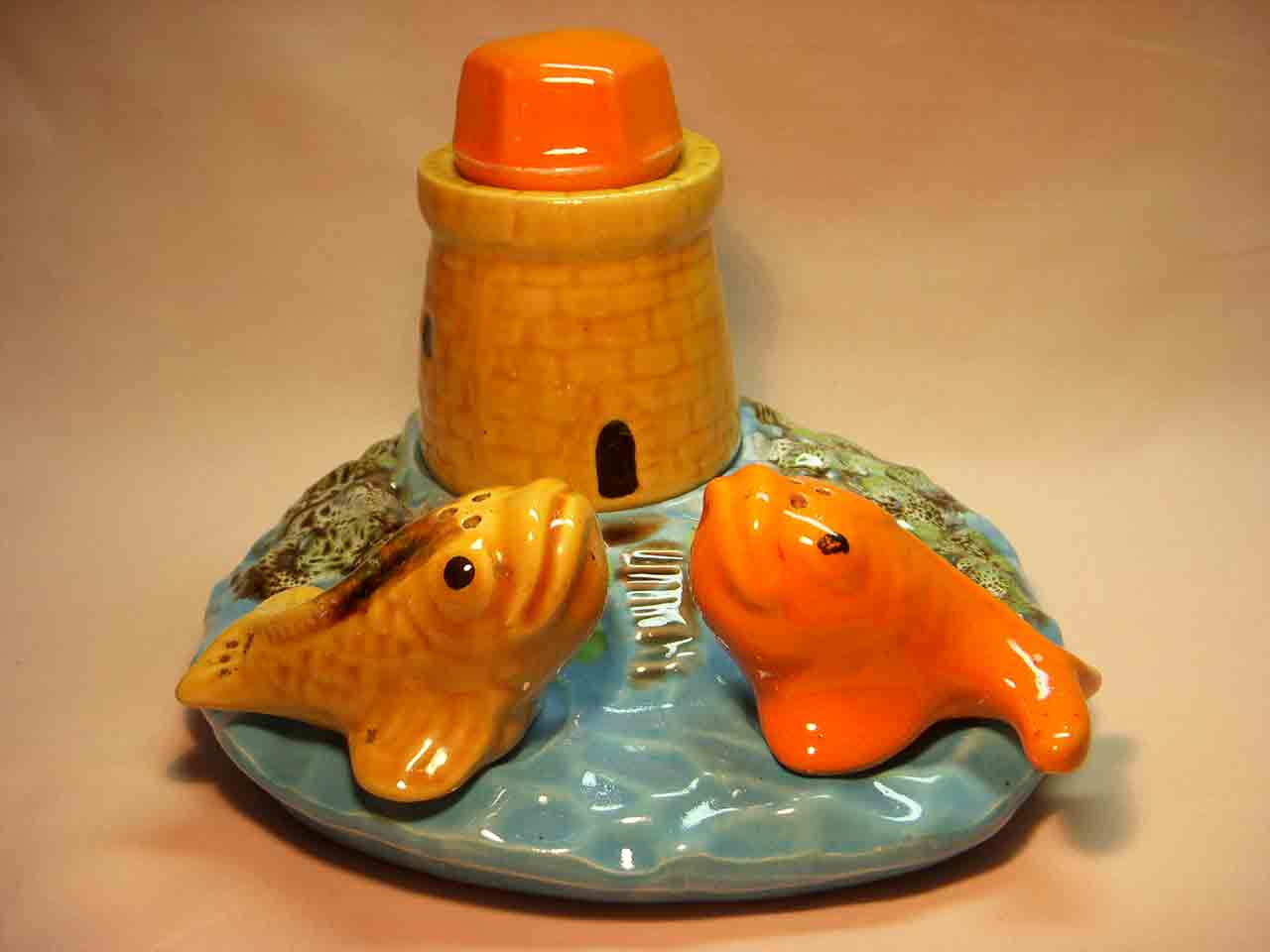 Vallauris salt and pepper shakers - fish with lighthouse condiment
