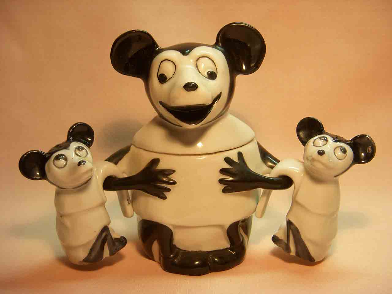 Germany Mickey Mouse hanging condiment salt and pepper shakers