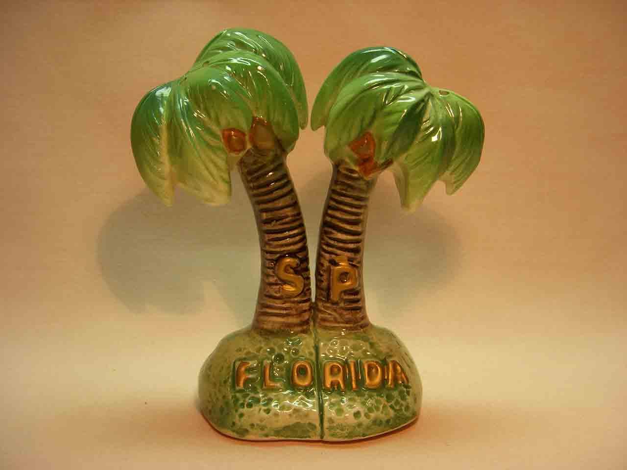 Florida souvenir one piece palm tree salt and pepper shaker