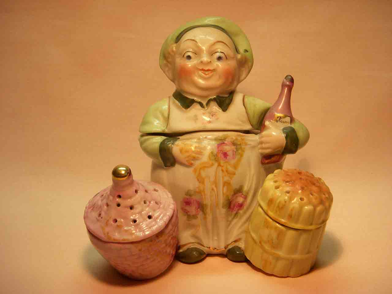 Conta and Boehme Germany porcelain chef holding bottle of wine condiment salt and pepper shakers